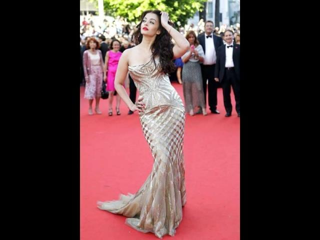We will go out and say it -- this appearnce is amongst the best the Cannes red carpet veteran has made till now.