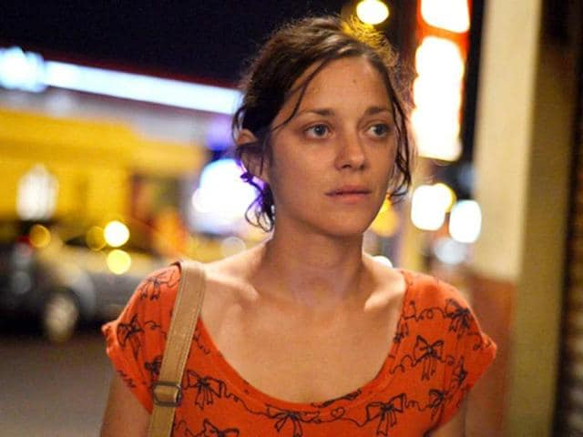 Two-Days-and-One-Night-starring-marion-Cotillard-is-a-haunting-document-of-how-a-society-can-come-together-to-face-odds-posed-by-the-monstrosities-of-consumerism-