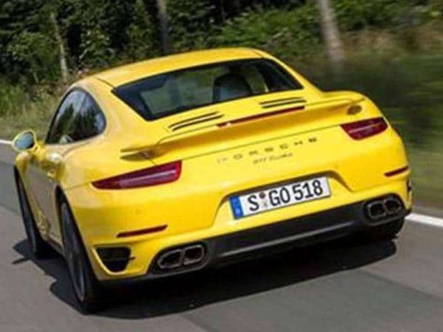 Porsche-developing-911-facelift