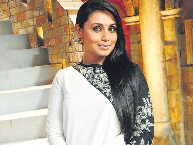 Rani-Mukerji-resumes-the-shoot-of-the-Pradeep-Sarkar-film-which-was-on-hold-because-of-her-recent-destination-wedding