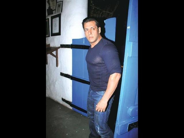 Salman Khan,Bigg Boss 8,Shah Rukh Khan
