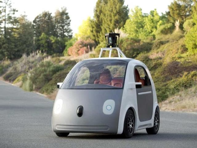 An-early-version-of-Google-s-experimental-electric-powered-autonomous-vehicle