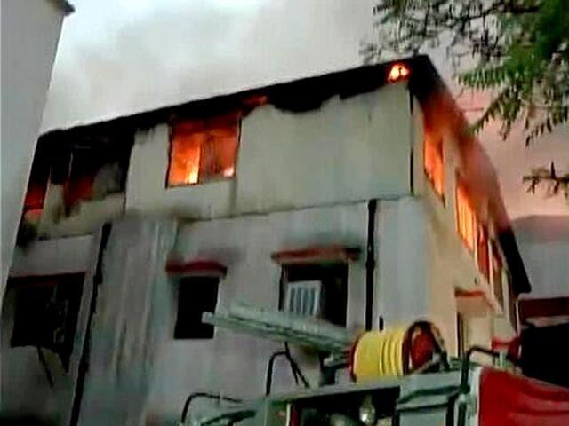 Delhi news,Fire in Delhi market,Gandhinagar market