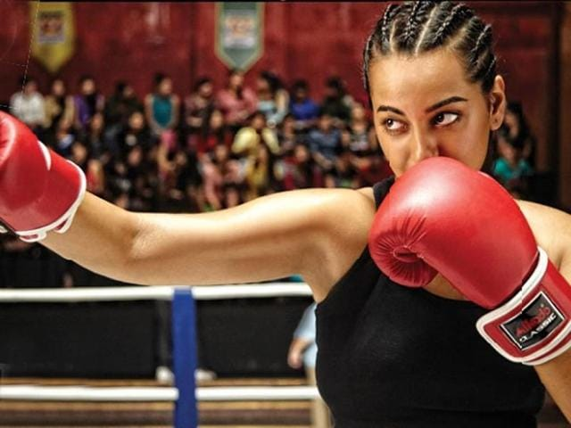 "Sonakshi SinhaShe has teamed up with south director AR Murugadoss for a woman-centric action drama. We've heard that most of Sonakshi's action scenes will be based on a martial arts tradition from Kerala. ""My film is based on a story which is close to my heart and has a very personal and powerful message for all Indian women,"" says Murugadoss in an official statement. (Photo: Desimartini)"