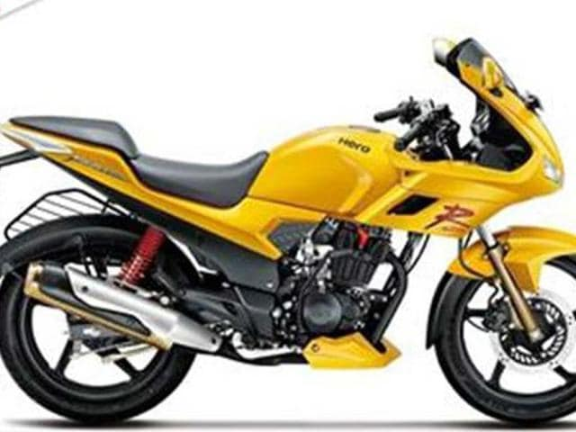 Hero-launches-Karizma-R-and-ZMR