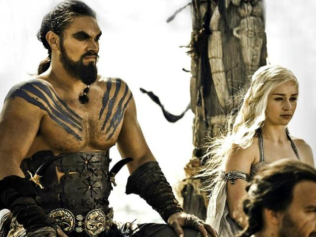 Jason-Momoa-and-Emilia-Clarke-as-Khal-Drogo-and-Daenerys-Targaryen-in-HBO-s-Game-of-Thrones