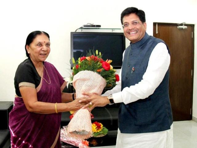 Union-Power-Minister-Piyush-Goyal-meets-Gujarat-Chief-Minister-Anandiben-Patel-in-Gandhinagar