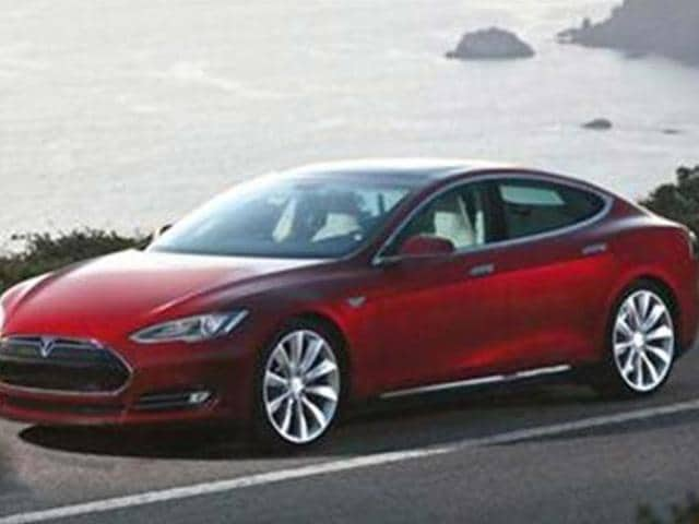 Tesla to introduce two new models