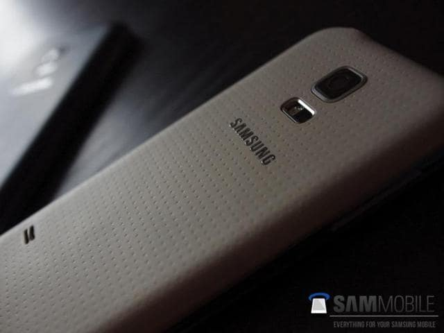 Leaked-image-of-the-Samsung-Galaxy-S5-Mini-Photo-AFP-Sam-Mobile