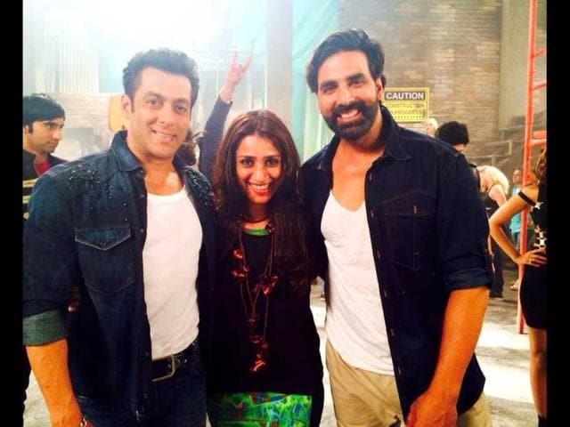 Salman-Khan-and-Akshay-Kumar-make-special-appearance-in-Fugly