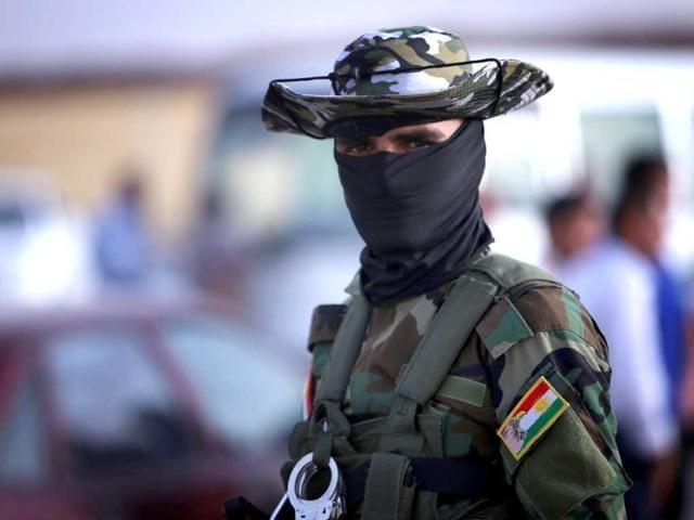 300 Turkish Kurds cross to Syria to fight jihadists