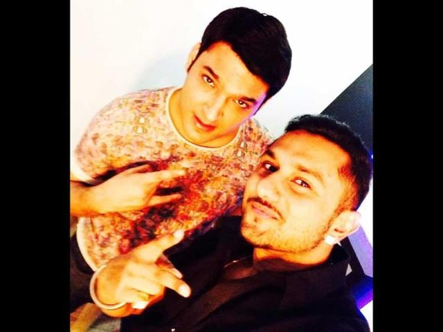 Kapil-Sharma-and-Honey-Singh-shoot-for-Comedy-Nights-with-Kapil