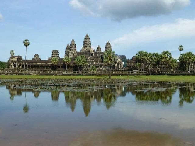Angkor,nudity,temples