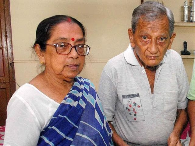Kolkata-couple-Chytali-Chatterje-L-and-Pannalal-Chatterjee-before-leaving-for-Brazil-AFP-Photo