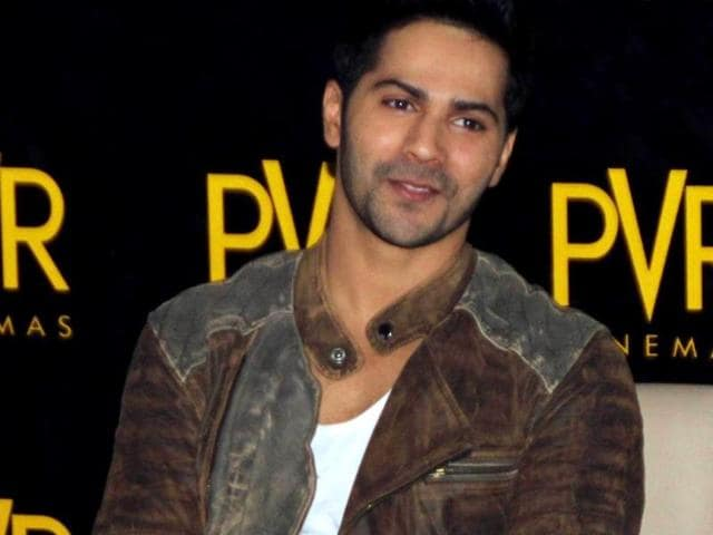 Varun-Dhawan-wants-to-grab-the-Student-Of-the-Year-trophy-so-that-he-can-get-the-approval-that-he-subconsciously-craves-for