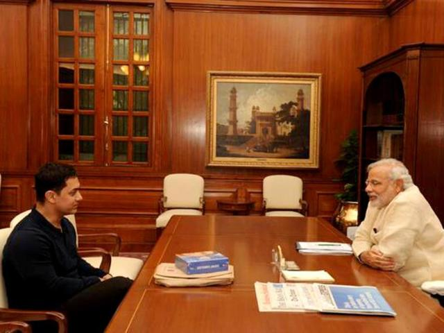 Aamir-Khan-met-PM-Modi-and-expressed-hope-that-he-would-look-into-the-social-issues-raised-on-his-TV-show-Satyamev-Jayate-Photo-by-Twitter-user-aamir-khan