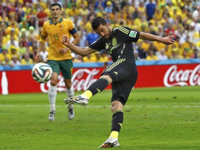 Spain-s-David-Villa-shoots-during-their-2014-World-Cup-Group-B-match-against-Australia-at-the-Baixada-arena-in-Curitiba-Reuters-Photo