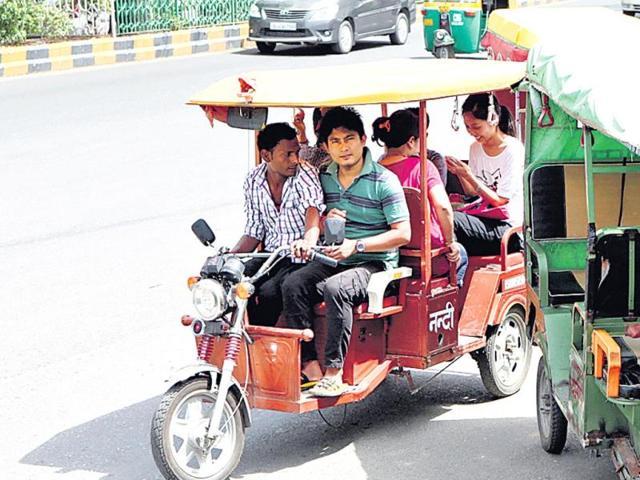 Happy-days-for-e-rickshaws-in-New-Delhi