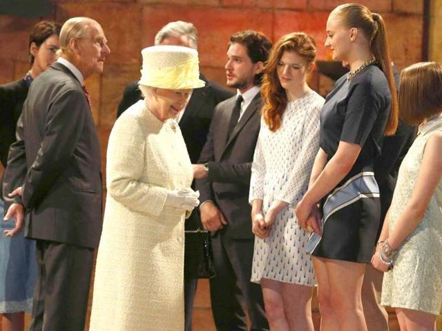 She was accompanied by Prince Philip and talked with members of the cast, including Sophie Turner who plays Sansa Stark in the polpular series. (Photo: REUTERS)