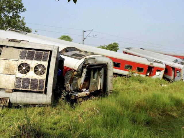 Rescue-work-in-progress-after-12-coaches-of-the-Delhi-Dibrugarh-Rajdhani-Express-derailed-near-Chhapra-in-Bihar-PTI-Photo