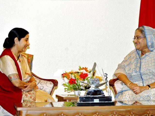 External-affairs-minister-Sushma-Swaraj-speaks-with-Bangladesh-s-PM-Sheikh-Hasina-in-Dhaka-Reuters-photo