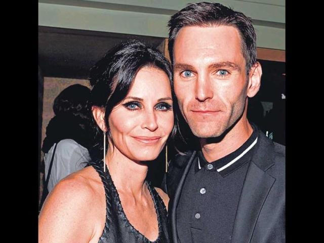 Courteney-Cox-and-Johnny-Mcdaid-Agencies