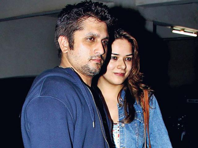 Mohit-Suri-with-wife-Udita-Goswami-at-Siddharth-Malhotra-s-place-to-celebrate-the-blockbuster-weekend-collections-of-Ek-Villain-Photos-Yogen-Shah