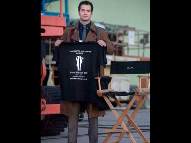Fist look Batman,Henry Cavill,Batman Vs Superman