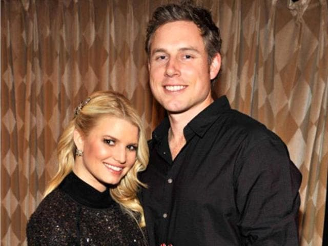 Jessica-Simpson-with-beau-Eric-Johnson-Getty-Images