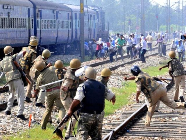 Mob-pelt-stones-on-police-force-during-a-clash-near-Kanth-Railway-station-in-Moradabad-district-Uttar-Pradesh-HT-Photo