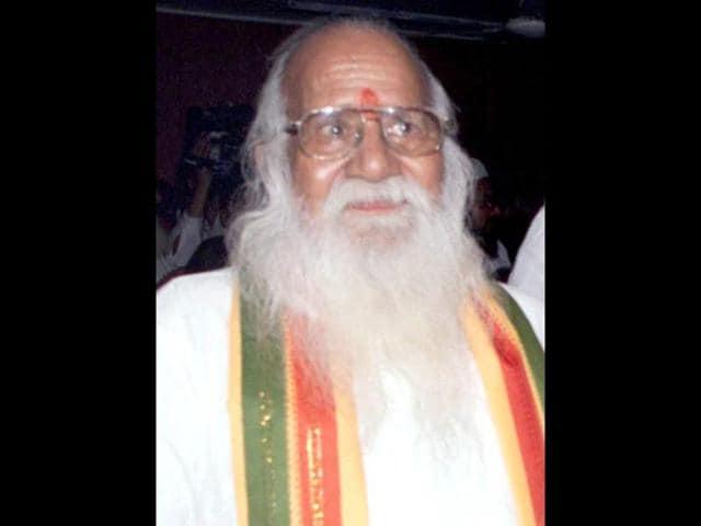 Giriraj Kishore,Vishwa Hindu Parishad,VHP