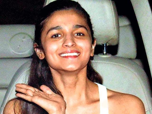 Alia Bhatt,Humpty Sharma,Humpty Sharma Ki Dulhaniya. Katrina Kaif