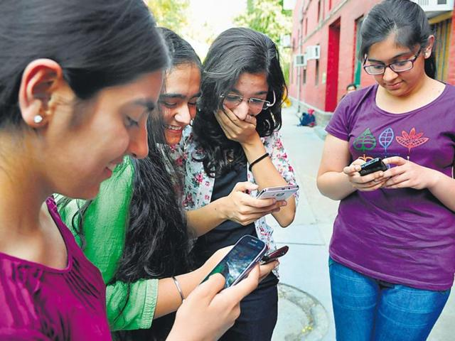 In-college-it-is-important-for-students-to-interact-with-as-many-people-as-possible-they-can-be-teachers-classmates-or-seniors-Photo-Hindustan-Times