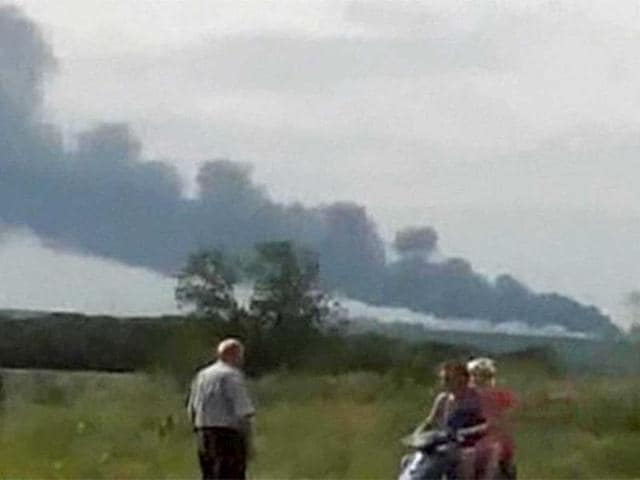A-Malaysia-Airlines-passenger-jet-with-295-people-on-board-crashed-in-Ukraine-near-the-Russian-border-PTI-photo