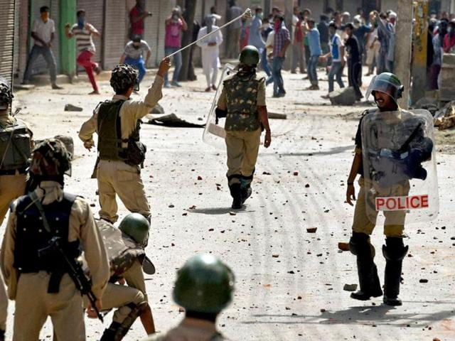 Protesters-and-security-forces-clash-in-Srinagar-following-a-protest-rally-against-Israil-s-attack-on-Gaza-PTI-Photo