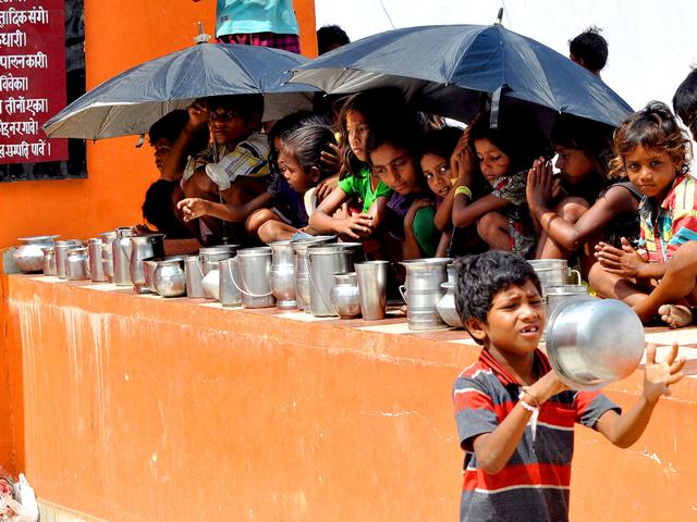 undernourishment,PDS,poverty