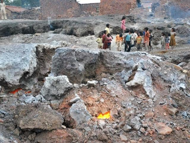 Fire-coming-out-of-the-ground-in-Jharia-coalfileds-of-Dhanbad-Bijay-HT-photo