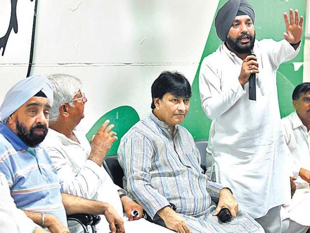 No irregularities while regularising colonies: Delhi Congress