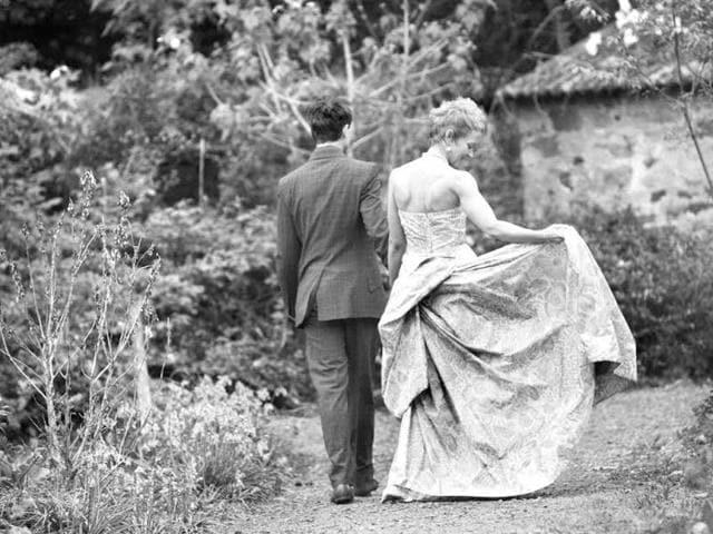 bridal fashion,bride's dress,wedding fashion