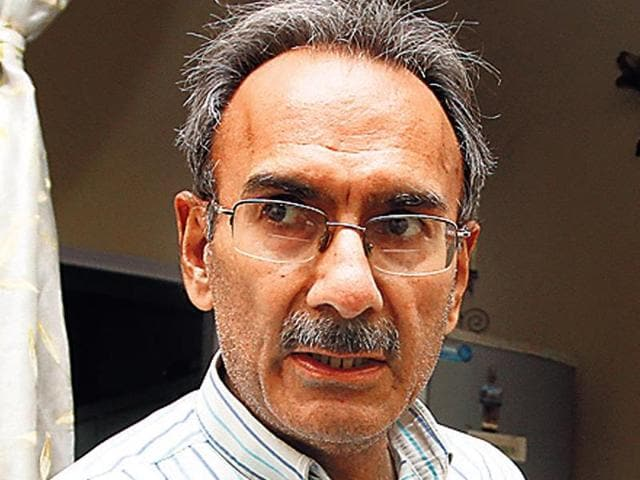 Vinod Khanna,botched prostate surgery,RG Stone East of Kailash hospital