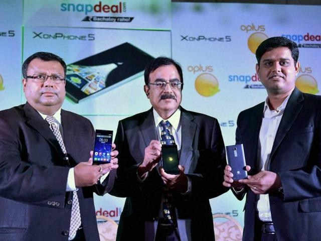 Soumitra-Gupta-CEO-Oplus-Tony-Navin-Senior-Vice-President-Electronics-Snapdeal-Com-and-Rajeev-Asija-CEO-Aforserve-com-at-the-launch-of-Xon-Phone-5-smartphone-in-New-Delhi-on-Thursday-Photo-Vijay-Kumar-Joshi-PTI