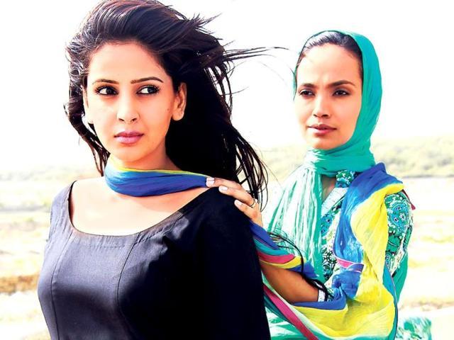 Sabah-Qamar-as-Saman-and-Amina-Sheikh-as-Aiman-in-TV-series-Maat
