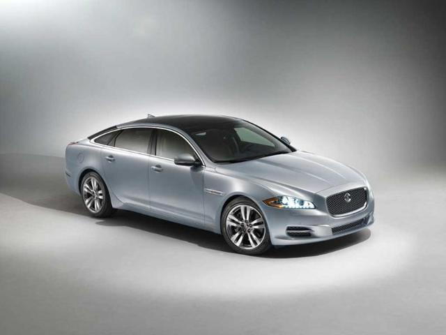 Jaguar-announced-the-launch-of-its-2014-Jaguar-XJ-in-Indore-on-Tuesday