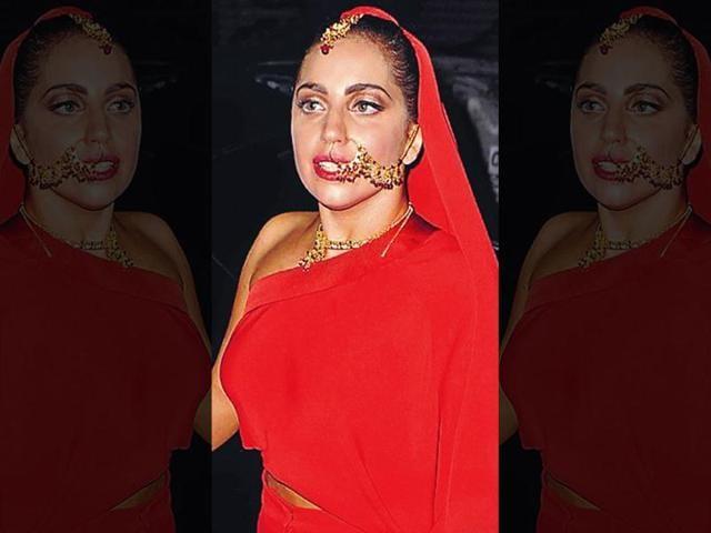 Lady Gaga,wedding,space