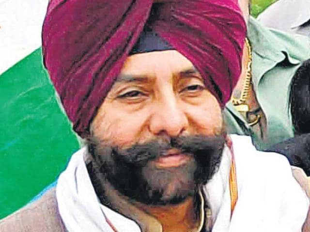 Ordinary Cong workers treated worse than street dogs: Brar