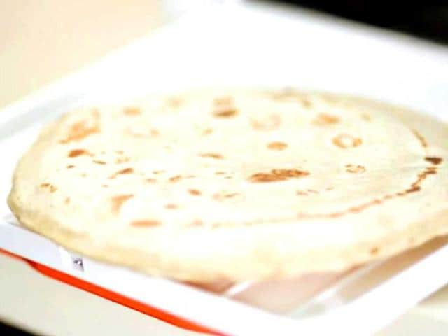 Chapati-making-in-the-Rotimatic-can-be-customised-to-the-thickness-softness-amount-of-oil-and-type-of-flour