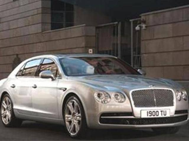Bentley-launches-new-Flying-Spur-V8-in-India
