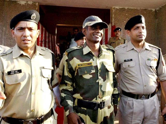 BSF-jawan-Satyasheel-Yadav-at-a-press-conference-after-he-was-handed-over-to-BSF-officials-by-the-commanders-of-the-Pakistan-Rangers-PTI-Photo