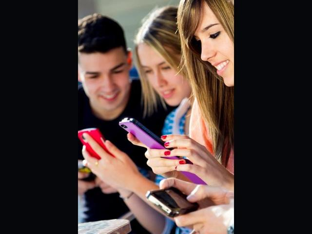 Shedding stereotypes: Women are the more committed mobile gamers