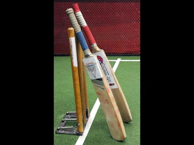 The-new-Falcon-Blade-cricket-bat-L-is-seen-alongside-a-conventional-cricket-bat-at-a-gaming-zone-in-Mumbai-AFP-Photo